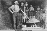Union mining Co. Crew, laymen on 17 Goldstream.