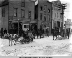 The first horse sleighs to arrive at Valdez from Fairbanks, Dec. 20, [19]05.
