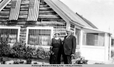 President & Mrs. Harding at a road house.