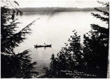 [Postcard] Indian Canoe, Yakutat, Alaska.
